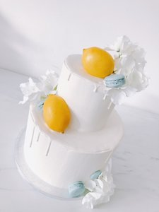mariasweetcakery White lemon