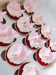 mariasweetcakery red velvet vlinder cup cakes