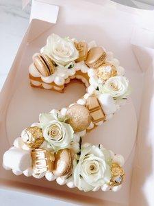 mariasweetcakery Cijfer cake goud