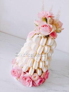 mariasweetcakery Macaron toren met bloemen