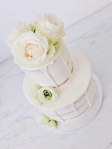 mariasweetcakery bloemen taart wit