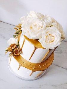 mariasweetcakery bloemen taart goud