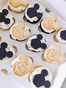 mariasweetcakery Mickey mouse cupcakes
