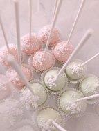 mariasweetcakery cakepops winter 1